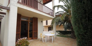 Offering an outdoor pool, Holiday home Fluvia is located in L'Escala. The accommodation will provide you with a balcony and a terrace.
