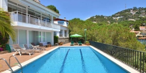 Located in Lloret de Mar, Villa Lloret de Mar 8 offers an outdoor pool. This self-catering accommodation features WiFi.