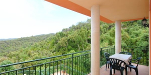 Located in Lloret de Mar, Villa Lloret de Mar 5 offers an outdoor pool. The property is 4.