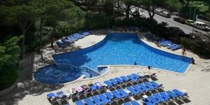 Surplombant la Méditerranée, l'Hotel Blaumar propose une piscine extérieure et se trouve à 2 minutes à pied de la plage. Moyennantun supplément, vous bénéficierez d'une salle de sport, d'un sauna et d'un hammam.