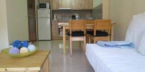 L'Orquidea est un appartement climatisé d'une chambre pourvu d'une piscine extérieure commune. Il est situé à 8 minutes de marche de la plage de Fenals et à 15 minutes à pied du centre de Lloret de Mar.