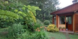 Entouré par la nature, le Satori B&B propose une connexion Wi-Fi gratuite et un grand jardin avec vue sur la montagne. Situéà Sant Joan de les Abadesses, ce Bed & Breakfast est installé à 24 km de la réserve naturelle de la Serra de Montgrony.