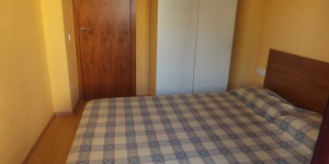 Situé à 200 mètres de la plage de Roses, le Calderon Barca est un appartement climatisé de 2 chambres dispose d'une terrasse privée avec une table et des chaises. Un parking est disponible moyennant des frais supplémentaires.