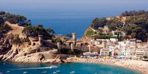 Le petit hôtel Mar Menuda propose une combinaison parfaite de tradition et modernité. Il se trouve en face de la mer et bénéficie d'un accès direct à la plage.
