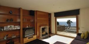 Le Tomas dispose d'une piscine extérieure, d'un barbecue et d'une terrasse meublée donnant sur la mer. Située sur le front de mer à Sant Feliu de Guíxols, cette maison de vacances élégante bénéficie d'une connexion Wi-Fi gratuite.
