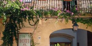 L'El Cau del Papibou occupe un bâtiment rénové datant du XIIIe siècle au cœur du village médiéval de Peratallada, à 15 minutes de route de la Costa Brava. Il met gratuitement à votre disposition une connexion Wi-Fi et un parking à proximité.