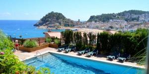 L'Apartment Bunker Tossa offre une vue sur le château de Tossa de Mar et la plage. Il vous propose une piscine extérieure commune, des espaces verts, une aire de jeux pour enfants et un hébergement indépendant avec une connexion Wi-Fi gratuite.