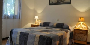 La Bicoque is located in L'Escala. Free WiFi access is available in this holiday home.
