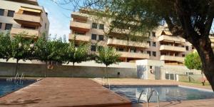 Situé dans le quartier résidentiel de Fenals à Lloret de Mar, l'Apartments-Lloretholiday-Fenals possède un jardin avec deux piscines communes et des chaises longues. La plage de Fenals se trouve à 7 minutes à pied.