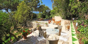 Located in Lloret de Mar, Villa La Riviera offers an outdoor pool. This self-catering accommodation features WiFi.