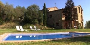 Bénéficiant d'une piscine extérieure, le Can Sisó vous ouvre ses portes à Crespiá, avec une connexion Wi-Fi dans l'ensemble des locaux et un parking sur place gratuits. Vous séjournerez à 12 km du lac de Banyoles.