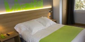 L'Hotel Margarit vous accueille au cœur de Gérone, à proximité de la rivière Onyar. Ce petit hôtel vous propose un hébergement situé à seulement 300 mètres du quartier historique de Barri Vell.