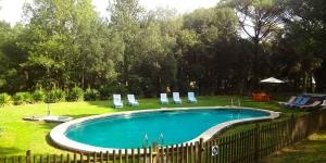 Disposant d'une piscine privée et d'un barbecue, la Villa Mas Patxot est située à Santa Cristina d'Aro. Cette villa de 5 chambres se trouve à 10 minutes de route de la plage de Platja d'Aro.