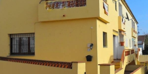 Villa L'Escala Girona is a self-catering accommodation located in L'Escala. Accommodation will provide you with a balcony.