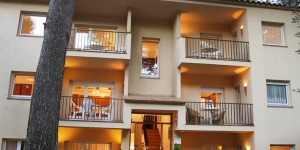Three-Bedroom Apartment Pals Girona 2 is a self-catering accommodation located in Begur. FreeWiFi access is available.