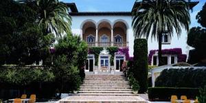 Lloret de Mar: séjournez au cœur de la ville  Situé à 150 mètres de la plage de Lloret, le Roger de Flor Palace possède une grande piscine extérieure et une terrasse offrant des vues panoramiques sur la mer. Ses chambres sont équipées d'une connexion Wi-Fi gratuite.