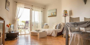 HomeRez – Apartment Calle Garbi is a self-catering accommodation located in Palamós. FreeWiFi access is available.