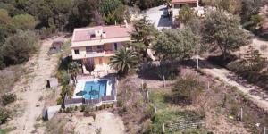 Dotée d'une piscine extérieure, d'un jardin avec barbecue et d'une connexion Wi-Fi gratuite, la Villa Beatriz est située à 3 km de Blanes. La plage de Cala de Sant Francesc se trouve à 10 minutes en voiture.