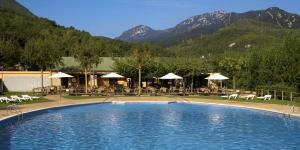 Bénéficiant d'un emplacement magnifique à la périphérie d'Albanyà et à moins d'1 km de la rivière Muga, le Camping Bassegoda Park propose un hébergement plein de charme doté d'une terrasse et offrant une vue sur la montagne. Le complexe possède une piscine extérieure ouverte en saison et un restaurant.